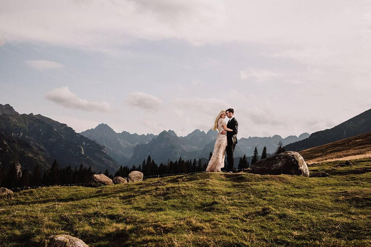 Rusinowa polana sesja ślubna