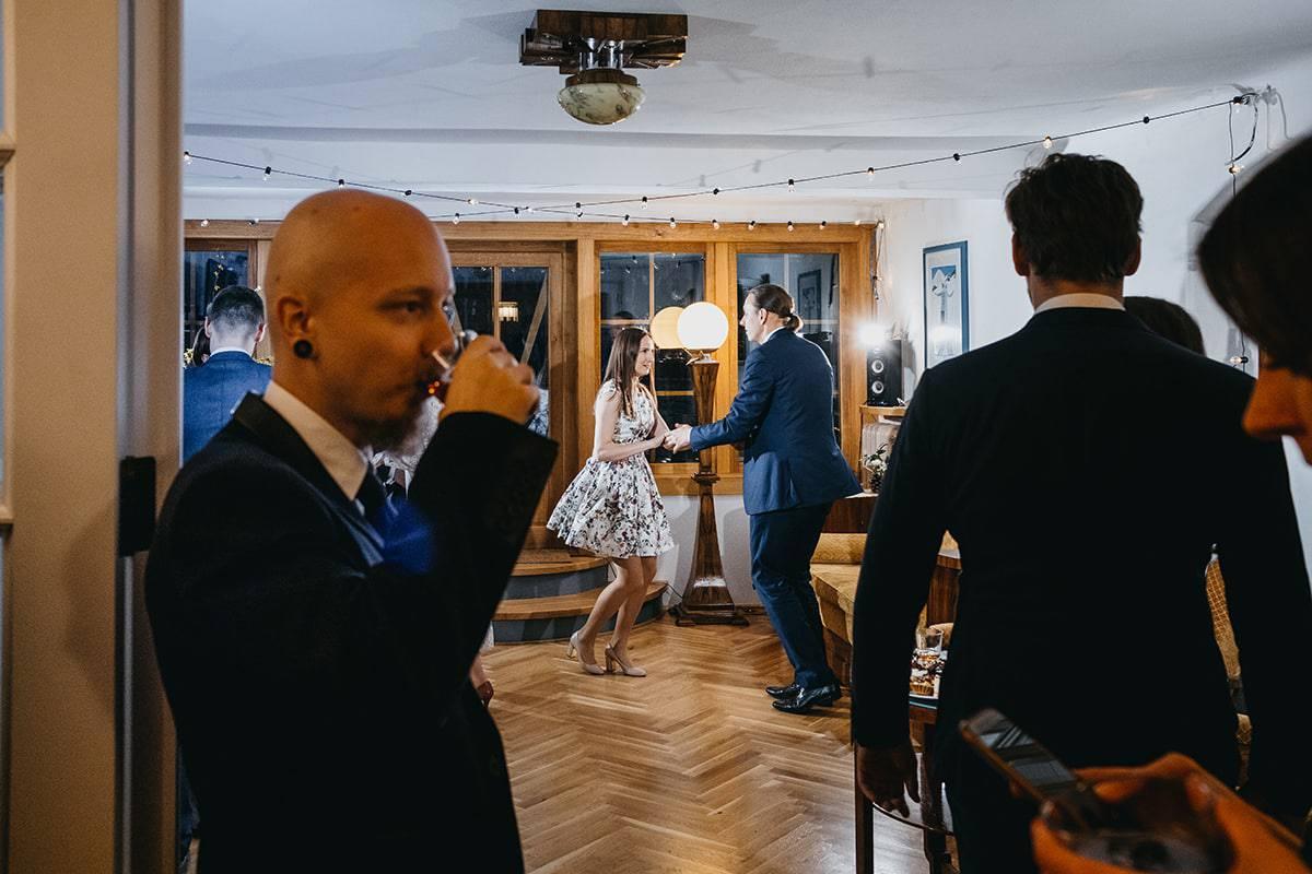 Kameralne wesele w domu 75